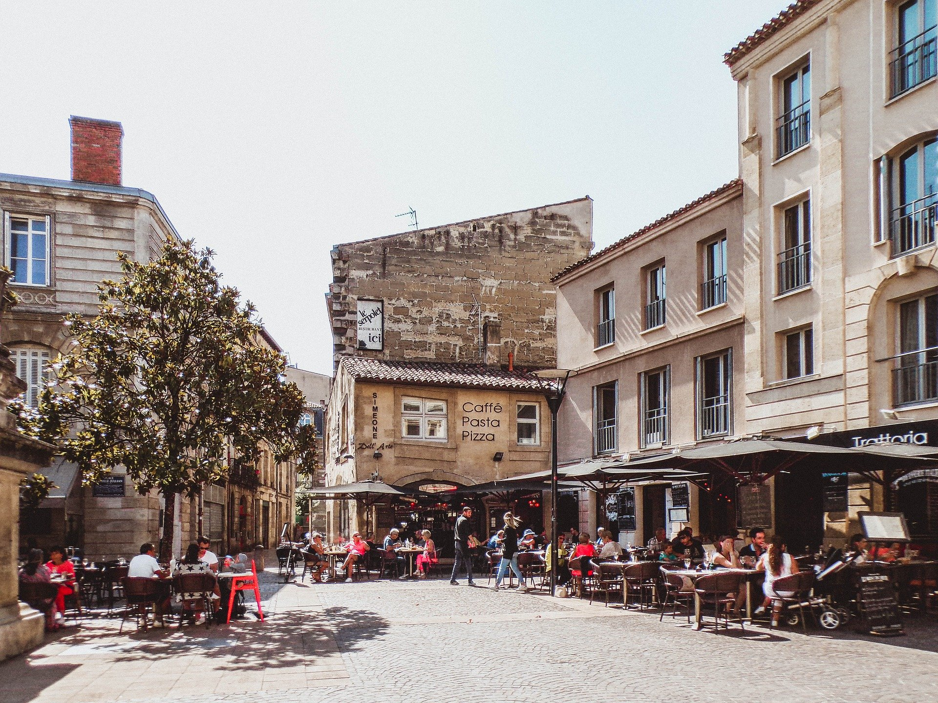 Place Camille-Jullian in Bordeaux