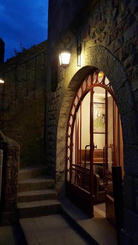 Hotel Mont St Michel avond