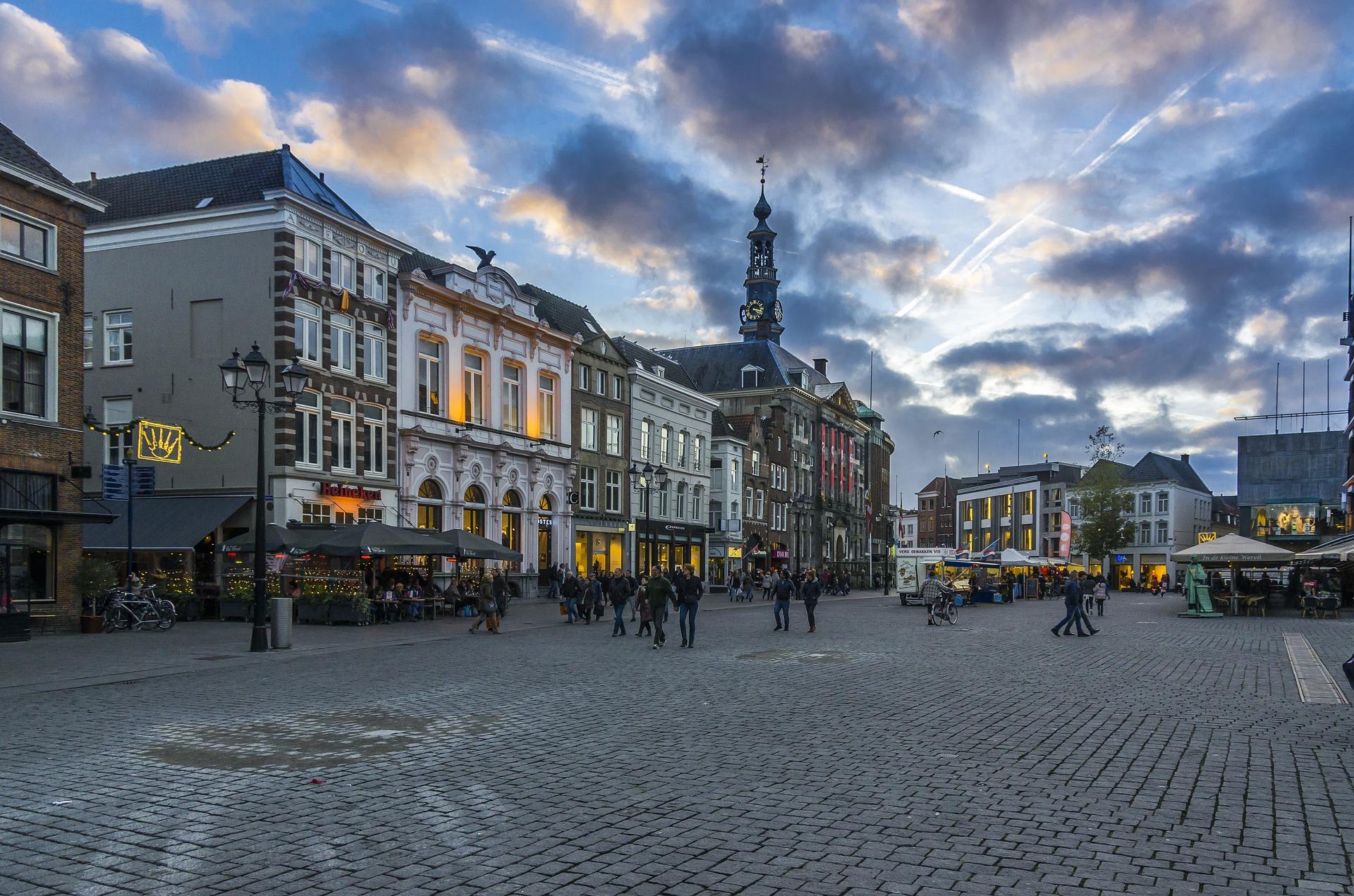 's-Hertogenbosch een dagje Den Bosch met rondvaart of stadswandeling